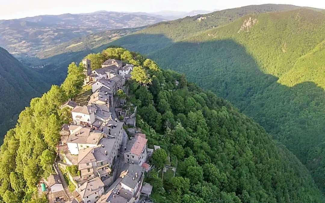 Monteacuto delle Alpi e Madonna del Faggio